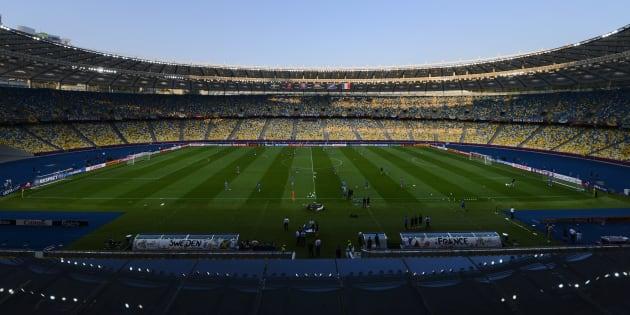 Vista del Estadio Olímpico de Kiev durante la sesión de entrenamiento de la selección francesa, el 18 de junio de 2012.