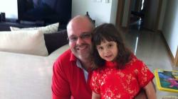 Ele deixou carreira para cuidar da casa e da filha enquanto a mulher