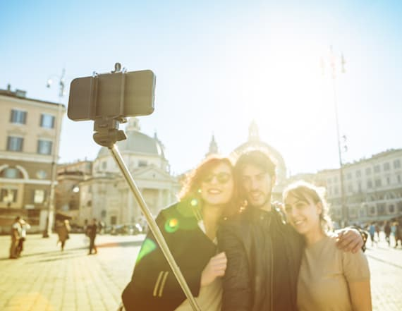 5 best selfie sticks in honor of National Selfie Day