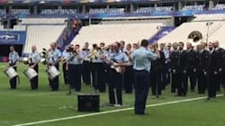Les images de la Garde Républicaine répétant du Oasis pour l'entrée des joueurs de France -
