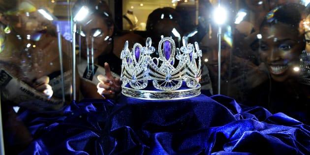 The Miss SA crown.