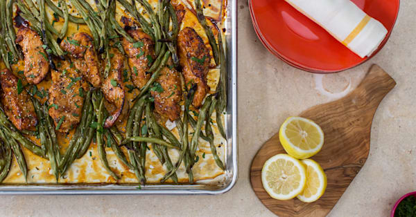 Make this simple honey lemon chicken and green bean sheet pan dinner tonight