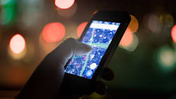 Why Canadians' Cellphones Will Suddenly Sound Off This
