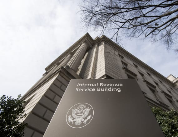 IRS extends tax deadline after technical glitch