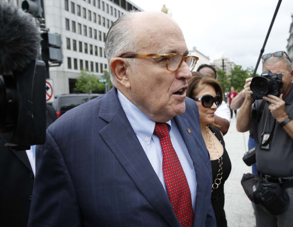 Giuliani weighs in on pardons amid Mueller probe