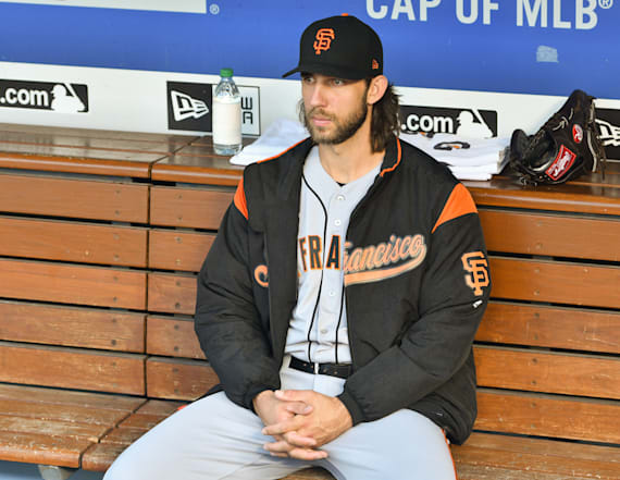Giants ace Madison Bumgarner fractures hand