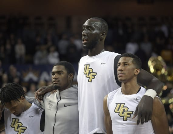 Photo shows just how tall UCF's Tacko Fall is
