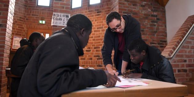 Des réfugiés africains étudient, le 1er février, au couvent de Thal-Marmoutier, dans le Bas-Rhin (Image d'illustration).