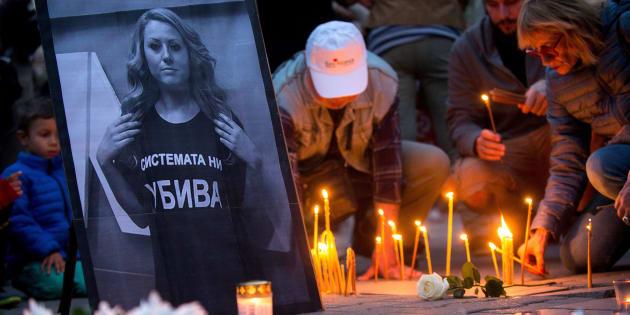 Vigilia en memoria de la periodista asesinada Viktoria Marinova en Sofía, Bulgaria el 8 de octubre de 2018.