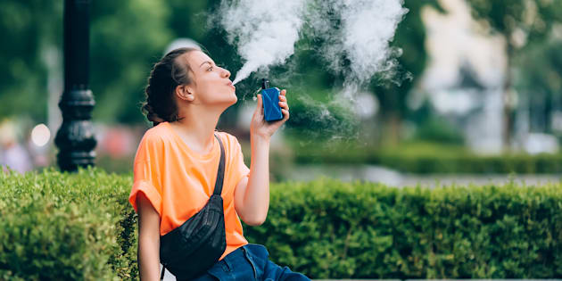 A new American study examined the possible links between heart attacks and daily e-cigarette use.