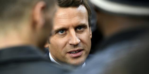 Parce qu'il nous libère du clivage clanique droite-gauche, nous centristes voterons Emmanuel Macron!