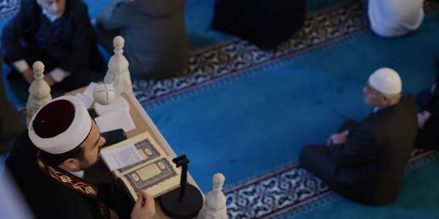 (illustration) Un professeur de mathématiques, imam à la mosquée de Torcy, suspendu par l'Éducation national