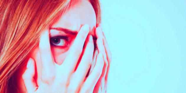 """15 """"imbarazzanti"""" sintomi dell'ansia di cui non parliamo"""