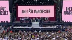 Les images de la minute de silence émouvante avant le concert hommage à
