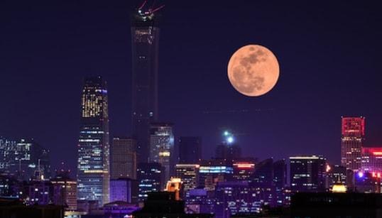 スーパー・ブラッド・ウルフムーンが出現。1月21日、大きな満月と皆既月食のコラボがアメリカで