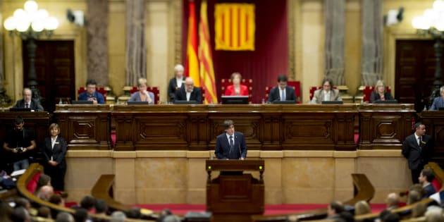 Carles Puigdemont s'exprime au Parlement catalan, en septembre 2016 (Image d'illustration).