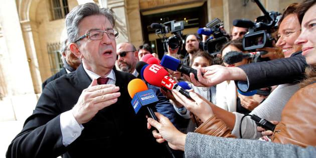 """Si le gouvernement se montre prudent vis à vis des violences en Catalogne, Jean-Luc Mélenchon a pris position contre """"la camisole de force""""."""
