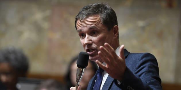 Nicolas Dupont-Aignan a annoncé sa candidature aux européennes en espérant siphonner l'électorat des Républicains et du Rassemblement national.