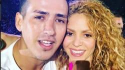 VIDEO: Shakira se roba el corazón de sus fans, a ella le robaron una selfie en el