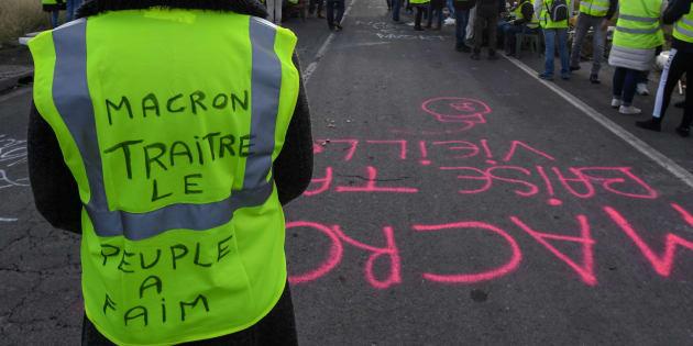 """Les gilets jaunes ne lâchent rien après les """"miettes"""" de Philippe (photo d'illustration prise à Frontignan le 3 décembre 2018)."""