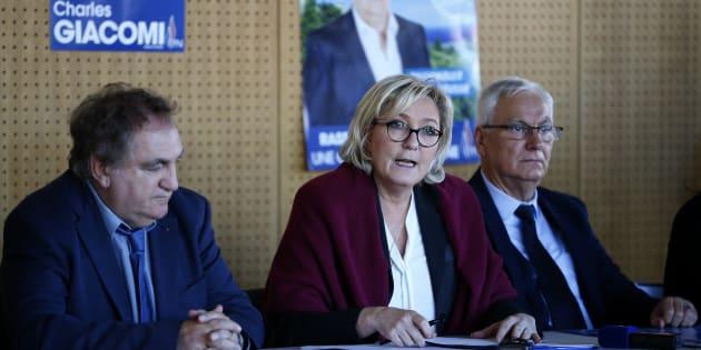 Marine Le Pen lors d'un déplacement de soutien en Corse au candidat FN Charles Giacomi.