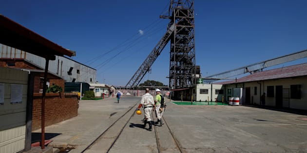 SA mine workers killed after quake