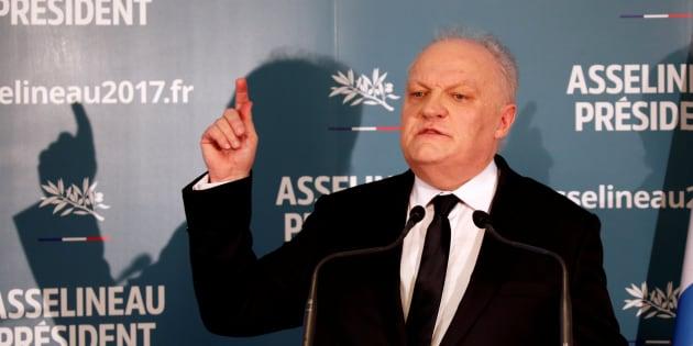 Francois Asselineau lors de sa conférence de presse à Paris le 10 mars.
