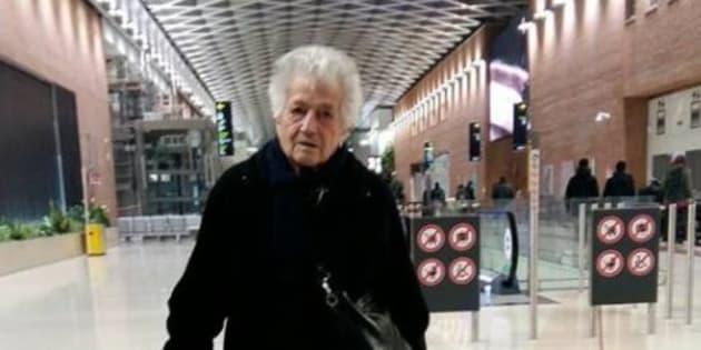 Cette mamie de 93 ans est devenue une star de Facebook en Italie.