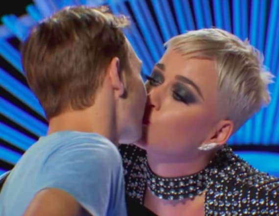 'American Idol' hopeful slams kiss from Katy Perry