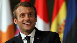 La réponse en vers de Macron à une ado amoureuse de la Tour