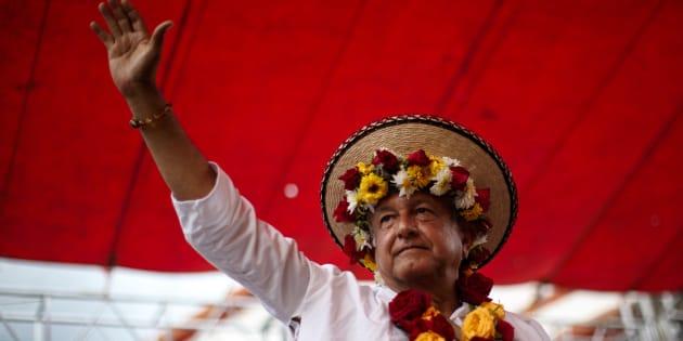 Andrés Manuel a López Obrador, candidato a la presidencia por la coalición Juntos Haremos Historia, sostuvo un encuentro proselitista ante miles de simpatizantes a su movimiento, en Bochil, Chiapas, el 9 de julio de 2018.