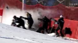 La Suissesse Lara Gut fauche des photographes pendant le slalom géant des JO