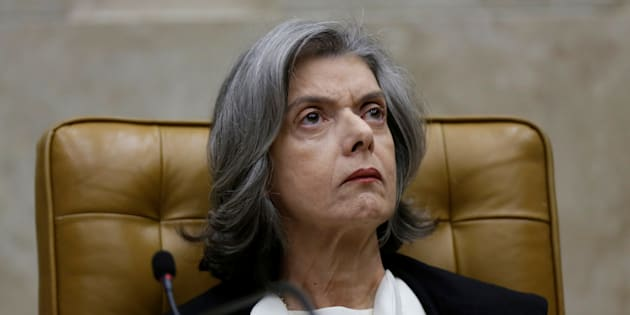 Presidente do STF, Cármen Lúcia resiste em pautar a revisão da decisão que prevê cumprimento da pena após condenação em 2ª instância com o argumento de que não quer 'apequenar' a corte.