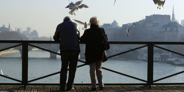 Hamon a une idée originale pour améliorer la retraite des couples, voici qui en profiterait le plus