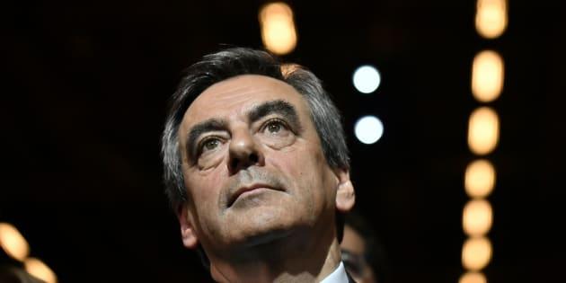 """Fillon veut """"reprendre les privatisations"""" dans les entreprises où la participation de l'Etat ne sert """"à rien"""""""