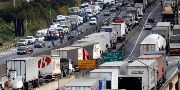 Gobierno de Brasil autoriza uso de fuerzas de seguridad para desbloquear carreteras