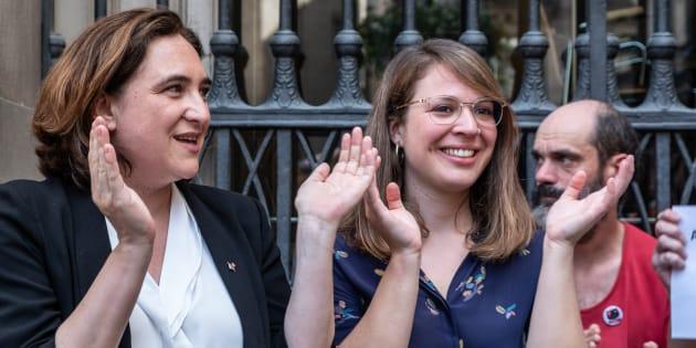La alcaldesa de Barcelona Ada Colau y la concejala de urbanismo Janet Sanz.