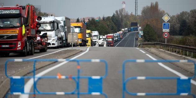 Les transporteurs routiers ont fait savoir qu'ils ne voulaient pas être associés au mouvement des gilets jaunes (Photo d'illustration).