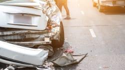 Due giovani muoiono in un incidente stradale a Roma. Le vittime sbalzate fuori