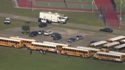 Dix morts dans une fusillade dans une école secondaire du