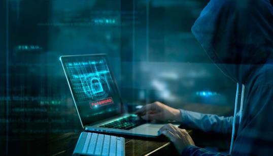 No solo los huachicoleros atacan a Pemex, 'hackers' son una amenaza