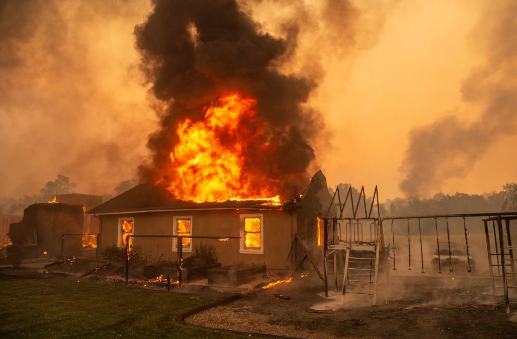 california fires ile ilgili görsel sonucu