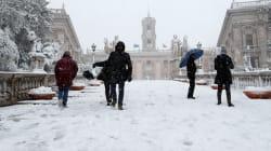 Bizzarrie del Campidoglio: agli assente per neve permesso pagato. Ma chi c'era ed è uscito prima dovrà recuperare le