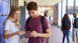 ENCUESTA: ¿Debería prohibir España el uso del teléfono móvil en las