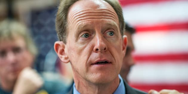 UNITED STATES - SEPTEMBER 23: Sen. Pat Toomey, R-Pa., attends a campaign event at the Herbert W. Best VFW Post 928 in Folsom, Pa., September 23, 2016. John McCain, R-Ariz., also attend in support of Toomey. (Photo By Tom Williams/CQ Roll Call)