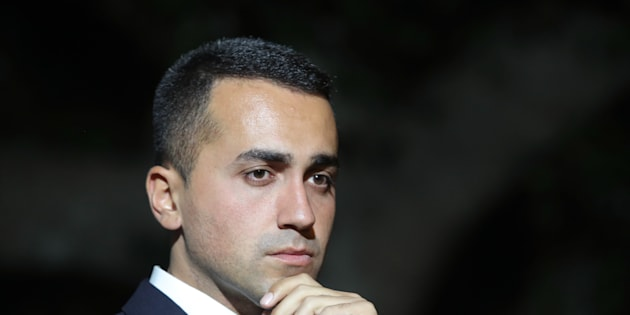 Leader of Five Star Movement (M5S) Luigi Di Maio meets the citizens in Messina, Italy, on October 27, 2017 during the electoral campaign in Sicily.  (Photo by Gabriele Maricchiolo/NurPhoto via Getty Images)