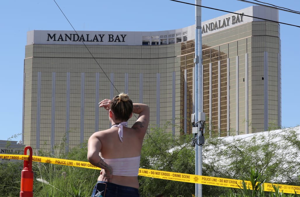 Mgm S Mandalay Bay Is In Crisis As Hundreds Of Las Vegas Shooting Victims Accuse The Hotel Missing Red Flags