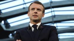 Macron si crede De Gaulle: bastasse una croce di