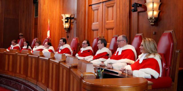 Photo d'archives des neuf juges de la Cour suprême.