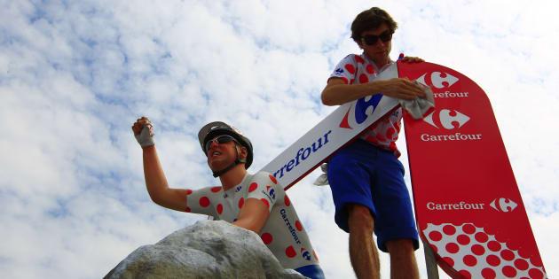 Carrefour ne sera plus sponsor de l'équipe de France ni du Tour de France en 2019 (photo: une pub Carrefour lors du Tour de France 2010)